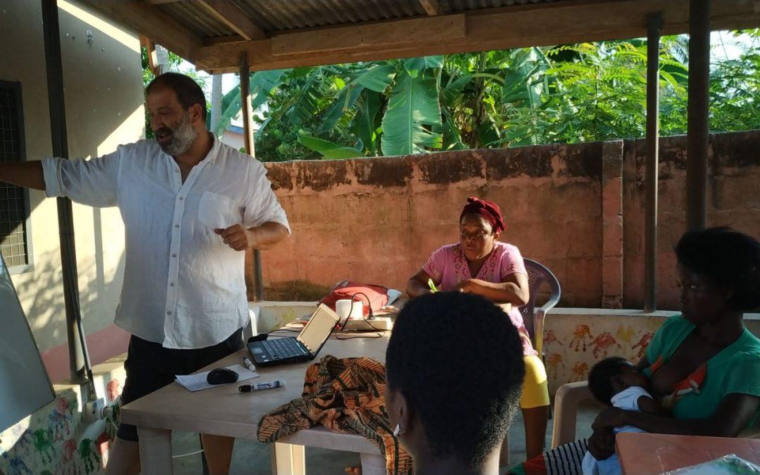 Empoderamiento de las mujeres adultas: un proyecto de alfabetización en Atsiame